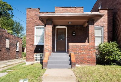 1519 Angelrodt Street St Louis MO 63107