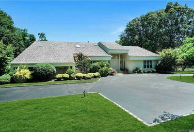 5 Bridle Path Ct Muttontown NY 11545