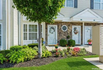 264 Spring Drive East Meadow NY 11554