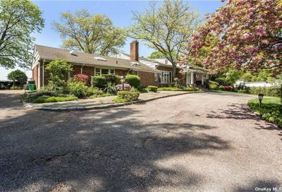 16 Sinclair Drive Great Neck NY 11024
