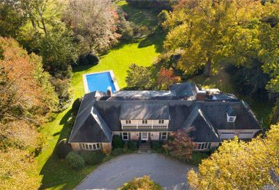 384 Duck Pond Road Locust Valley NY 11560