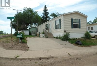 21 A AVE NE Moose Jaw SK S6H1P2