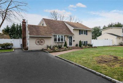 22 Irving Place Islip Terrace NY 11752