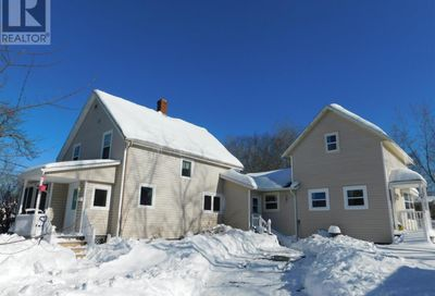 5 IONA Road Wolfville NS B4P2H2