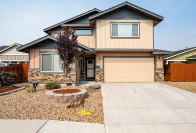 2225 NW Larchleaf Court Redmond OR 97756