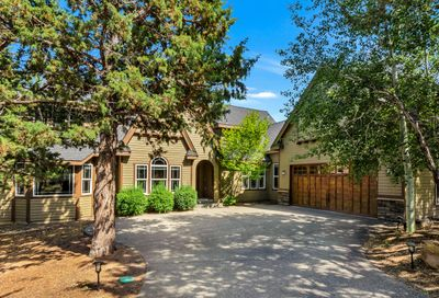 3000 NW Lucus Court Bend OR 97703