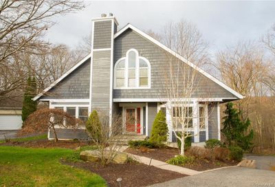40 Nottingham Way Carmel NY 10541