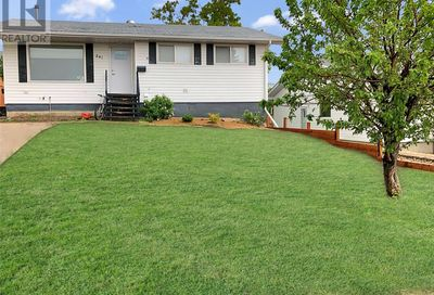 241 18th AVE NE Swift Current SK S9H2Y2