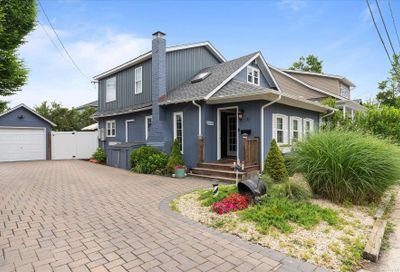 31 Clearview Place Blue Point NY 11715