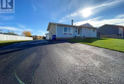 125 Silvertip Place Fort McMurray AB T9H3B2