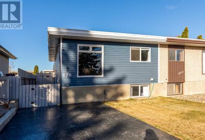 670 Rutherford Street Medicine Hat AB T1A7E3
