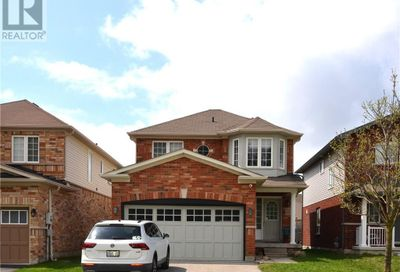 85 White Crescent Barrie ON L4N5Z9