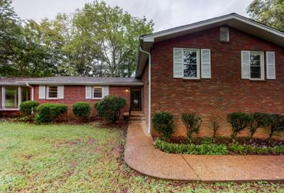 2036 Eversong Ln Hermitage TN 37076