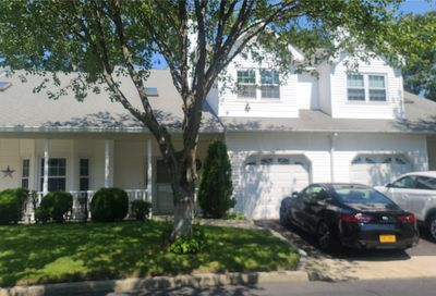 11 Oyster Cove Lane Blue Point NY 11715