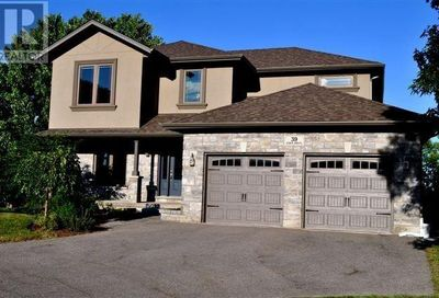 39 Eden Drive Barrie ON L4N5H1
