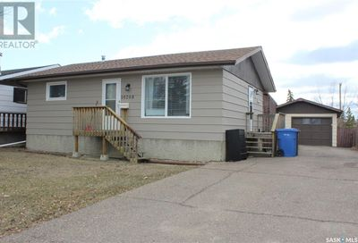10208 Ross CRES North Battleford SK S9A3R6