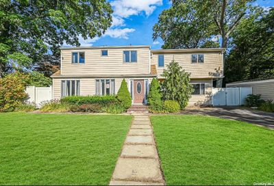 179 Le Grand Street Brentwood NY 11717