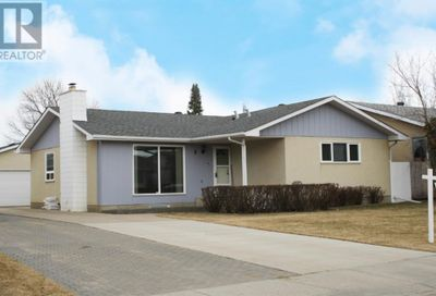 6 Mcleod Street Fort McMurray AB T9H1Z5
