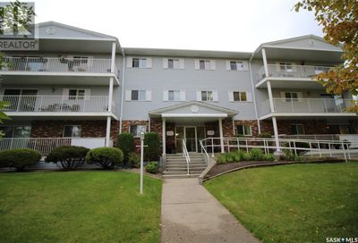 3 1391 98th ST North Battleford SK S9A0M1