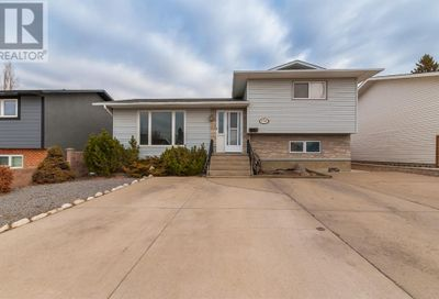 196 Sprague Way Medicine Hat AB T1B2K3