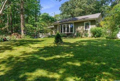 19 Kettle Knoll Path Miller Place NY 11764