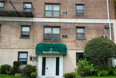 1 East Mill Drive Great Neck NY 11021