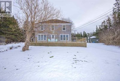 818 Fort Point Road Weymouth NS B0W3T0