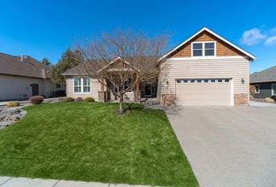3921 SW Tommy Armour Lane Redmond OR 97756