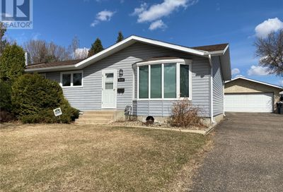 9009 Deans CRES North Battleford SK S9A3H8