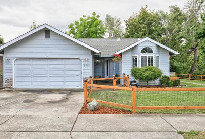 253 SW Rogue River Avenue Grants Pass OR 97526