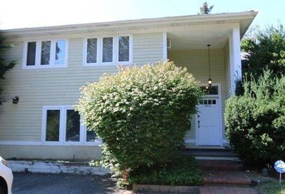 165 Cold Spring Road Syosset NY 11791