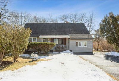 42 Krause Street Bay Shore NY 11706