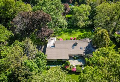 35 W Creek Farms Road Sands Point NY 11050