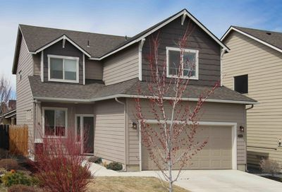 61927 Janalee Place Bend OR 97702