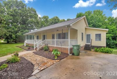 4418 Hickory Grove Road Mount Holly NC 28120