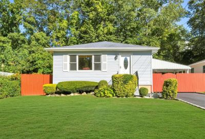 163 Tyler Avenue Miller Place NY 11764