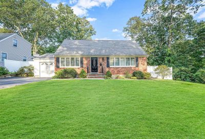 2 Allen Place Northport NY 11768
