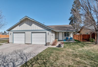 2051 NW Elm Avenue Redmond OR 97756
