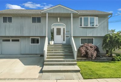 612 Smith Place Oceanside NY 11572
