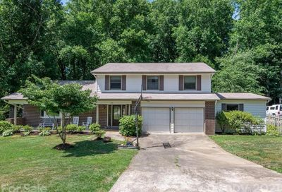 22 Rhododendron Place Asheville NC 28805