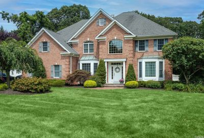 5 Crooked Cottage Court Centerport NY 11721