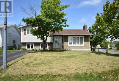 2 Oxford Crescent Mount Pearl  A1N2X7