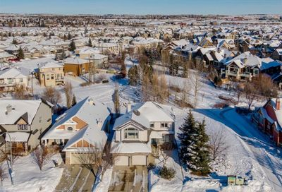 941 Coopers Drive Airdrie AB T4B2Z4