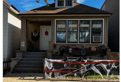 4735 S Honore Street Chicago IL 60609