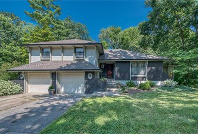 100 NW 59th Place Gladstone MO 64118