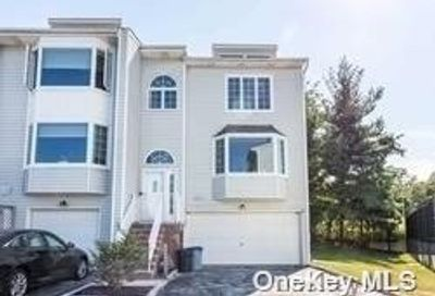 239-46 Oak Park Drive Douglaston NY 11362