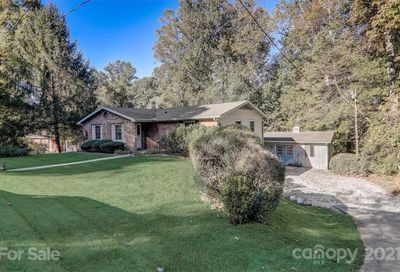228 Dundeve Circle Hendersonville NC 28792