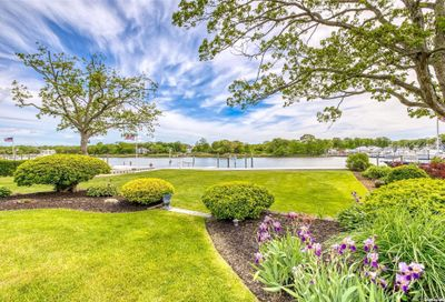 129 Crystal Bch Blvd Moriches NY 11955