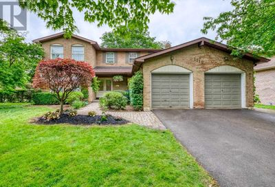 1510 Ballyclare Drive Mississauga ON L5C1J5