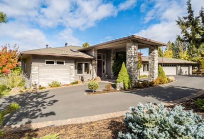 2046 NW Perspective Drive Bend OR 97703